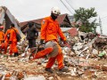 В Индонезии число жертв землетрясения выросло до 56 человек