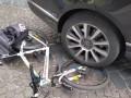 Во Львове сотрудник таможни дважды нарушил за рулем и наехал на копа