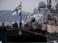 В Севастополе украинский корвет «Тернополь» забрасывают гранатами