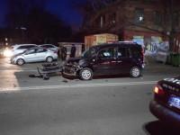 Lexus протарани десяток авто у здания полиции в Днепре