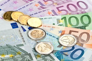 Евро почти достиг психологической отметки: Курс валют на 5 июня