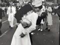 Умер герой знаменитой фотографии 1945 года