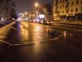 В Киеве пьяный мужчина в слезах бросился под колеса