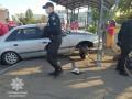 В Мариуполе легковушка въехала в остановку, есть раненые