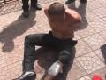 В Киеве мужчина с ножом бросался на копов