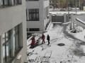 В Харькове выпала с шестого этажа сотрудница пенсионного фонда