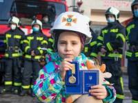 В Киеве 4-летняя девочка предотвратила пожар: Ее наградили орденом