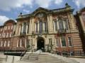 Престижные британские университеты на треть опустели