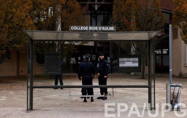 Убийство учителя во Франции: задержаны девять человек