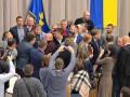 В Полтаве депутаты устроили потасовку из-за земли