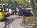 Под Львовом столкнулись грузовик и маршрутка: 10 пострадавших