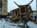 Во Львове строительный кран упал на мужчину
