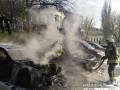 Мужчина в балаклаве поджег две машины на Печерске