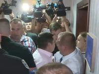 В суде произошла потасовка между адвокатом Януковича и полицией