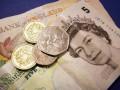 Великобритания планирует перейти на пластиковые деньги в 2016 году