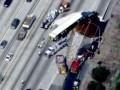 На трассе в США перевернулся грузовик с 20 тоннами меда
