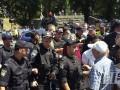 Протест против повышения тарифов: возле Кабмина произошли стычки