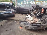 Крупное ДТП в Киеве: столкнулись Камаз и пять легковушек