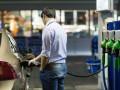 Украинские АЗС продолжают снижать цены