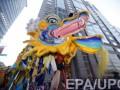 Жители Поднебесной фейерверками и яркими шоу встречают Китайский Новый год