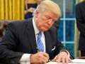 Трамп подписал закон против нарушения прав человека в Гонконге