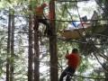 Житель США застрял на дереве, тестируя летающий стул
