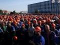 Лукашенко: Бастующим на заводах места быть не должно
