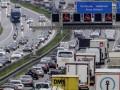 В Германии на автобане будут ездить грузовики без водителей
