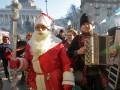 День в фото: Дед Мороз на Майдане и пикет возле министерства
