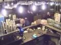 В Киеве пьяный мужчина устроил драку в кафе