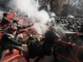 Столкновения под АП: пострадали три силовика