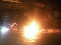 В Киеве Daewoo Nexia врезался в столб и загорелся: фото