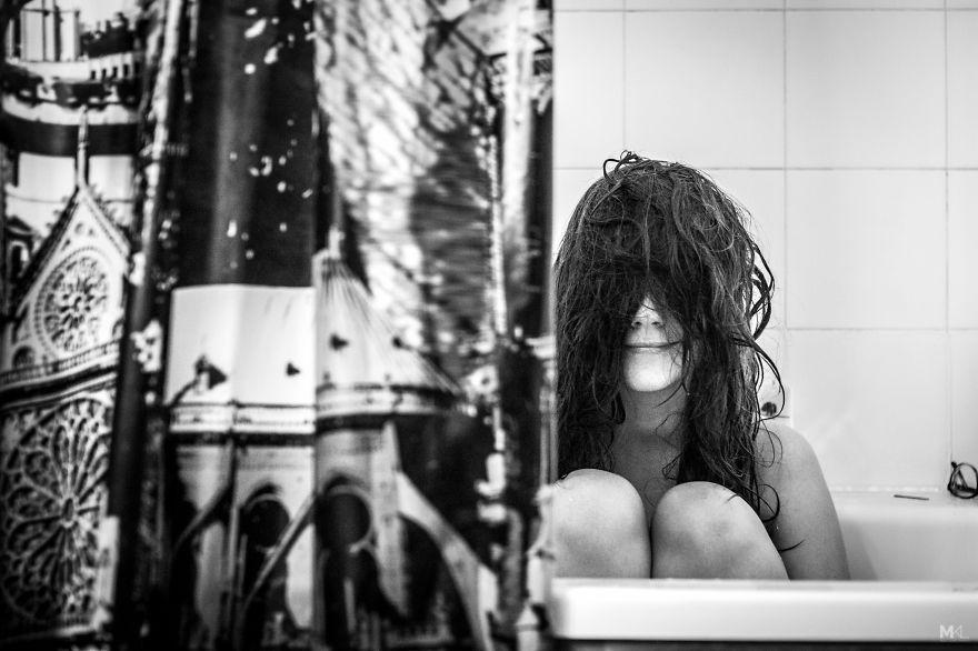 Фотограф пытался заснять свою девушку... но она все не разрешала