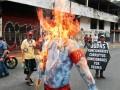 В столице Венесуэлы в честь Пасхи сожгли чучела Обамы и Мадуро