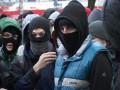 Активисты блокируют выезды из Академии ВВ в Харькове