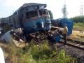 В Хмельницкой области поезд протаранил грузовик, есть жертвы