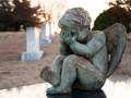 Как работают похоронные аферисты и сколько стоит место на кладбище