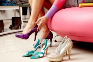 Мечты сбываются: две сумки или две пары обуви - по цене одной.
