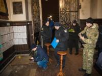 Полиция нашла хулиганов, взорвавших пиротехнику у храма в Сумах