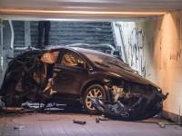 В Киеве автомобиль влетел в подземный переход