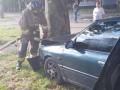В Одессе пьяная авто-леди врезалась в дерево и бросалась на полицейских