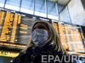 В Борисполь прилетела девушка с высокой температурой: ее увезли медики