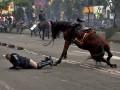 День в фото: протесты в Перу и живой портрет Тараса Шевченко