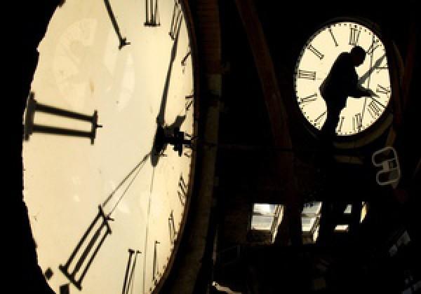 фотографии часов ЗИМ
