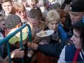 В Москве устроили давку из-за бесплатного пасхального кулича