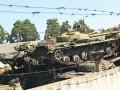 На свалках под Киевом ржавеют танки и трамваи (ФОТО)