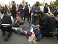 В Лондоне задержали 135 экологических активистов