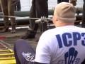 Украинец протянул по воде зубами 600-тонный корабль