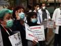 В Греции медики протестуют из-за условий работы во время пандемии