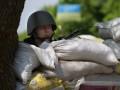 Матери и жены солдат блокируют международную трассу на Волыни